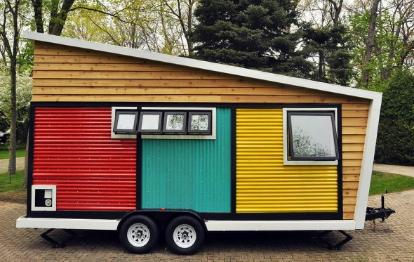 Toybox-Tiny-Home-Frank-Henderson-and-Paul-Schultz-14-590x373_Inhabitat